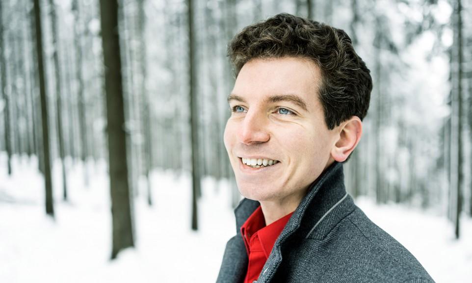 Der Bass-Bariton Matthias Bein studierte er Gesang an der Hochschule für Musik und Theater München bei Michelle Breedt und singt am Theater Trier.