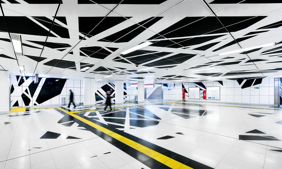 Die U-Bahn-Station Pempelforter Straße gehört zu den sechs aufwändig gestalteten Stationen der Wehrhahnlinie